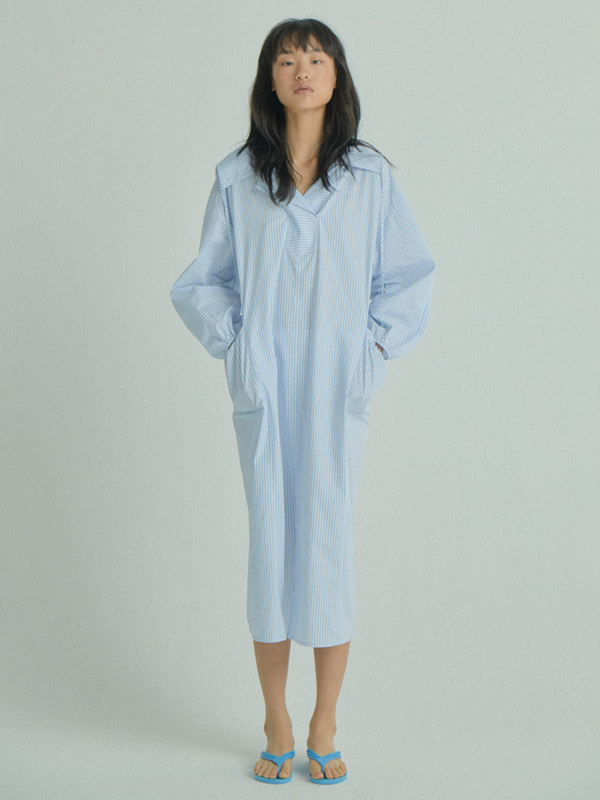 Hoodie Collar Dress / Light Blue